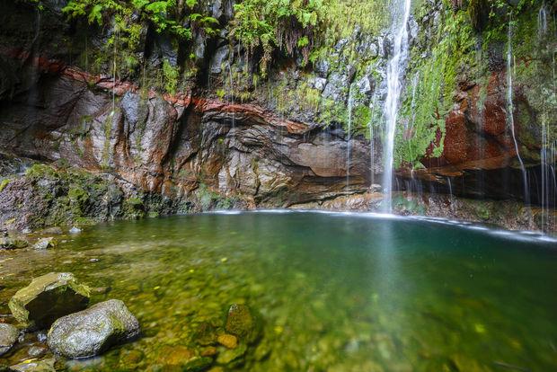 Denière chute d'eau du sentier aux vingt-cinq sources, Madère (Portugal)