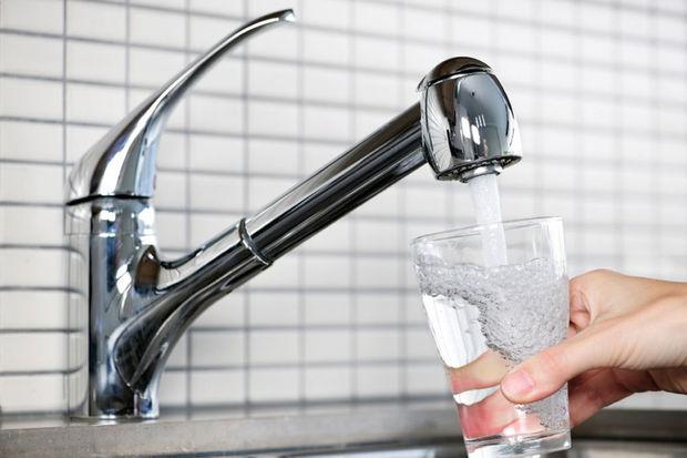 faut il vraiment filtrer l 39 eau du robinet sant. Black Bedroom Furniture Sets. Home Design Ideas