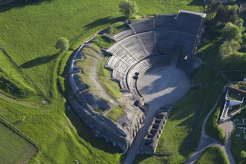 Amphithéâtre de Grand., Philippe Massit