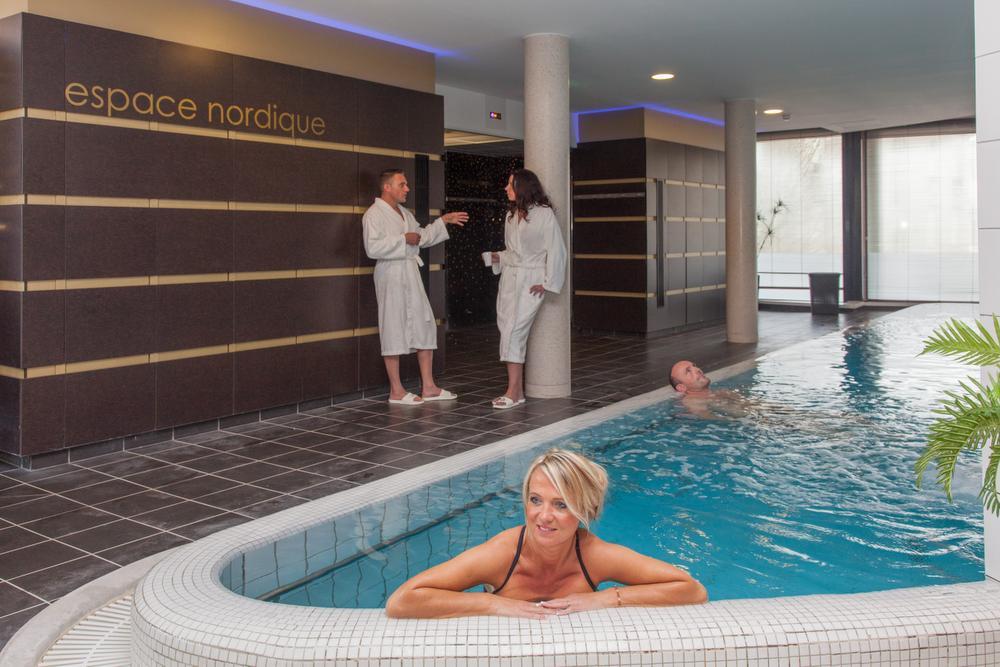 Voyages en lorraine 10 etapes incontournables loisirs for Amneville les thermes piscine