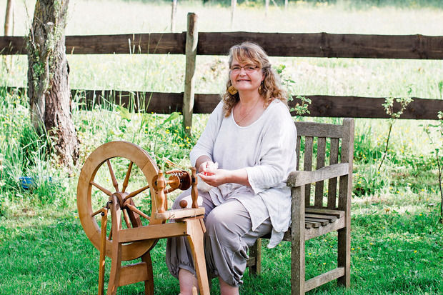 Pascale Halleux tricote la laine locale