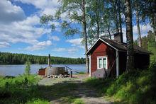 Sauna finlandais et bain à remous extérieur , Getty Images/iStockphoto